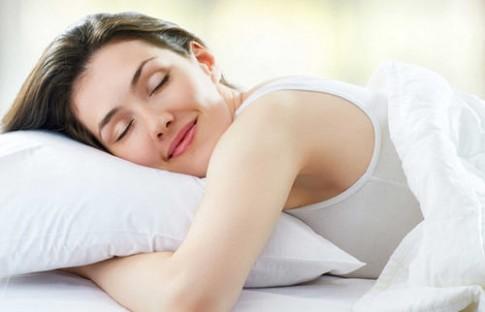 Tự tay làm 4 loại mặt nạ ngủ giúp da sạch mụn, lỗ chân lông se khít