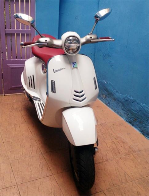 Vespa 946 tự chế của thợ Sài Gòn