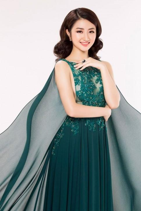 Vừa đăng quang, tân Hoa hậu Bản sắc Việt đã đụng hàng Ngọc Trinh