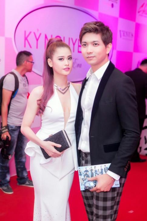 Xem xong loạt ảnh này bạn còn thấy ngưỡng mộ cặp đôi Tim - Trương Quỳnh Anh?