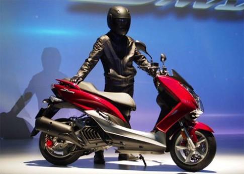 Yamaha SMAX 155 thách thức Honda PCX 150