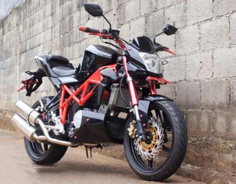 Yamaha V-ixion phong cách Ducati Streetfighter