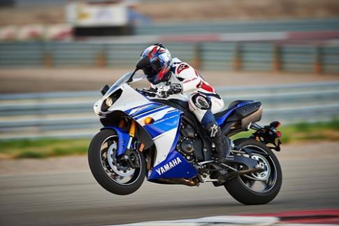 Yamaha YZF-R1 2014 có giá từ 14.300 USD