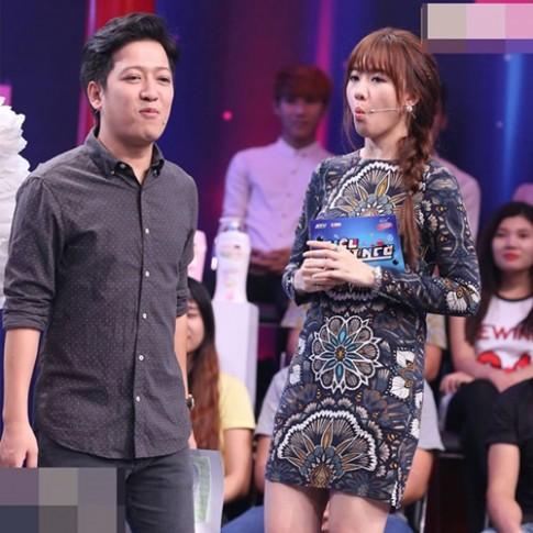 Fan tròn mắt không hiểu vì sao Hari Won mặc lại váy của mẹ Trấn Thành