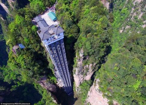 Những thang máy đáng sợ nhất thế giới
