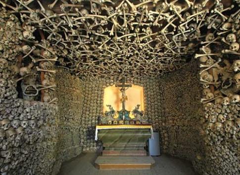 Rùng rợn 6 công trình kiến trúc làm từ xương người