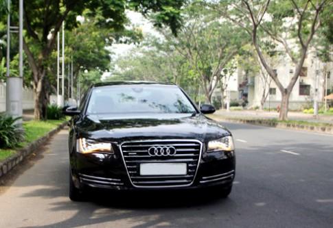 Audi A8L - limousine trên đường phố Sài Gòn
