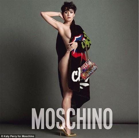 Katy Perry ho nua nguoi lam nang tho cua Moschino