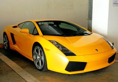 Siêu xe Lamborghini đầu tiên đến Việt Nam