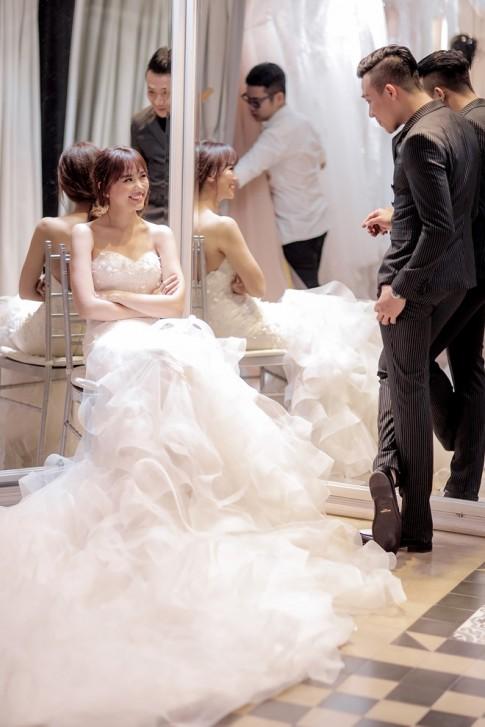 Hari Won đã mặc gợi cảm hết nấc thế này trước ngày cưới