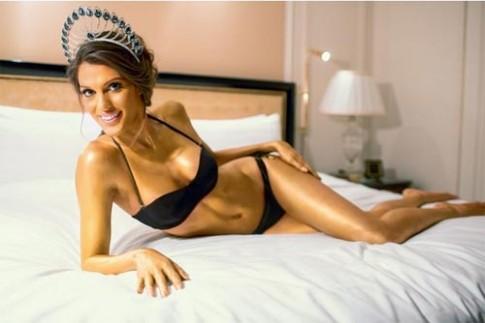 7 tiết lộ ít người biết về tân Hoa hậu Hoàn vũ
