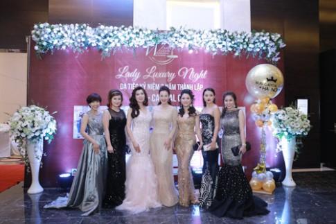 Á hậu Thu Hương khoe sắc trong Dạ tiệc Lady Luxury Night.