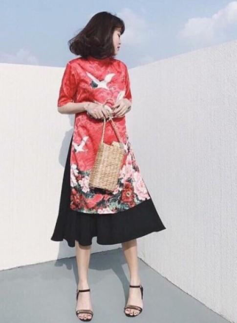Áo dài cách tân phối váy đụp - mốt gây tranh cãi nhất Tết Đinh Dậu