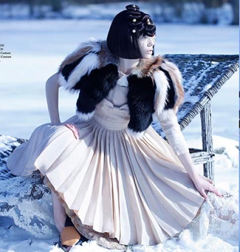 Mẫu thiết kế của Xuân Thu trên tạp chí quốc tế