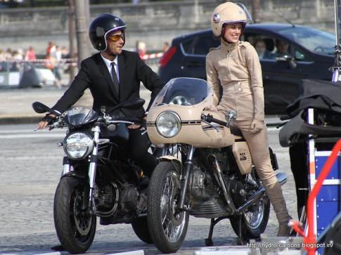 Chơi xe môtô: Phụ nữ Mỹ thích tự xử hoặc nhờ bạn bè hơn là mang đến garage