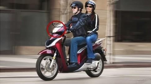 Có nên bật đèn xe máy ban ngày tại Việt Nam ?