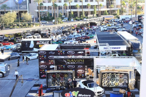 Dàn xế 'khủng' ở show xe độ lớn nhất thế giới