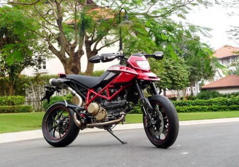 Ducati Hypermotard 1100 EVO SP đầu tiên tại Việt Nam
