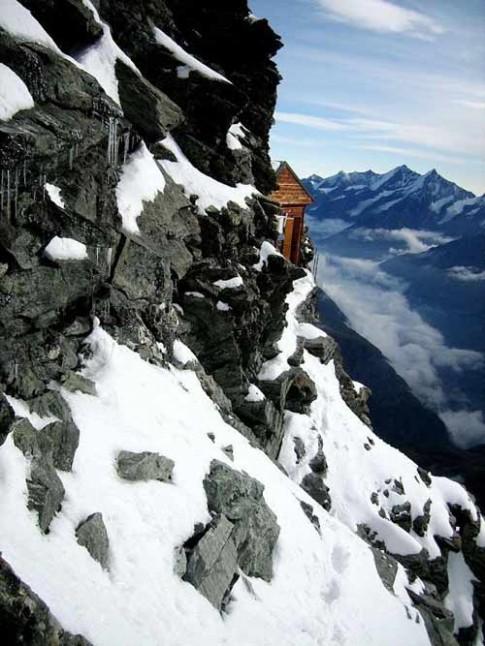 Nơi trú ẩn chênh vênh trên sườn núi Thụy Sĩ