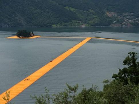 Tuyệt tác giúp con người đi bộ trên mặt nước ở Ý
