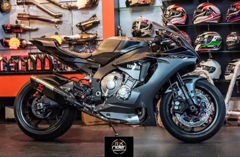 Yamaha R1 đen mờ siêu ngầu trong bản độ từ RK Rider Shop