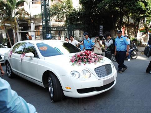Dàn xe sang trong đám cưới Jennifer Phạm