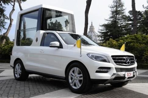 Đức giáo hoàng sử dụng xe Mercedes-Benz M-Class