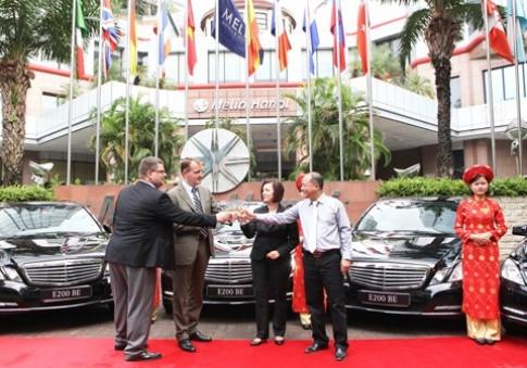 Khách sạn Melia Hanoi nhập xe Mercedes E200