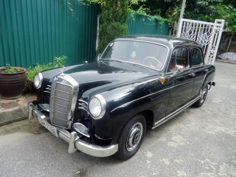 Mercedes cổ biến số Sài Gòn ở Hà Nội