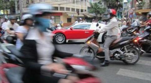 Siêu xe ở Việt Nam lên báo nước ngoài