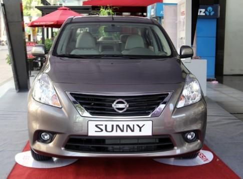Ảnh Nissan Sunny đầu tiên tại Việt Nam