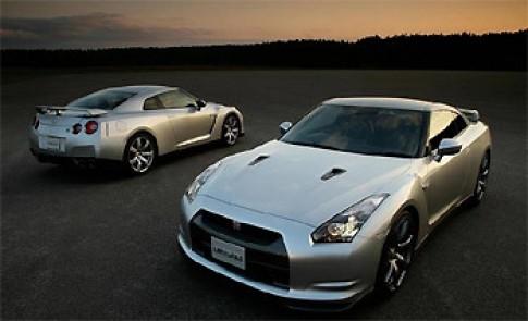 Bán 700 chiếc Nissan GT-R trong 2 ngày