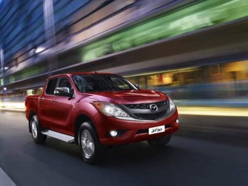 Mazda BT-50 nhập có giá từ 680 triệu đồng