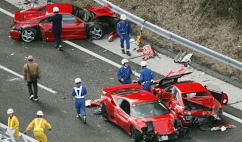 Những tai nạn siêu xe tàn khốc