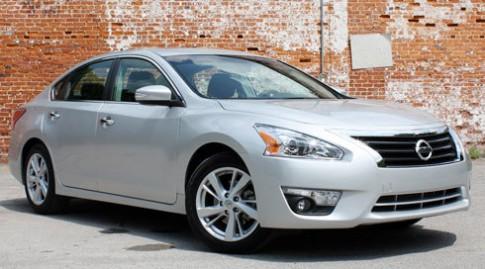 Nissan giảm giá xe để tăng khả năng tìm kiếm