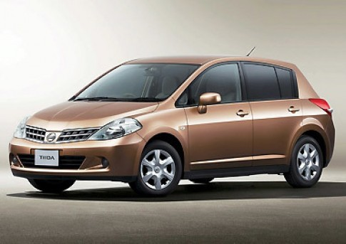 Nissan giới thiệu phiên bản Tiida 2009