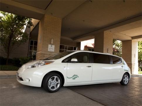 Nissan Leaf độ thành limousine