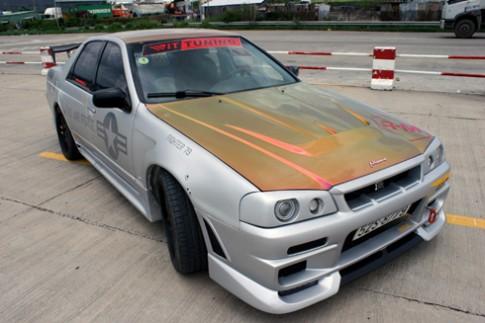 Nissan Skyline độ thành GT-R R34