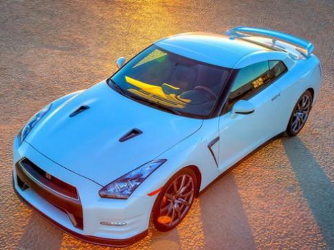 Nissan trình làng GT-R phong cách nam tính