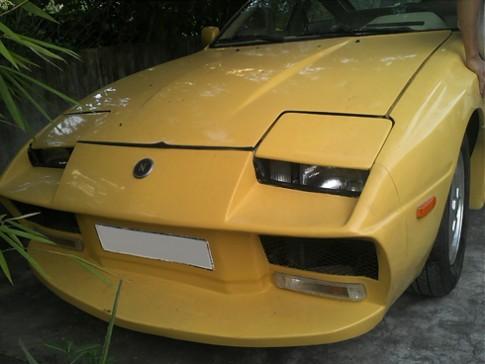 Thợ Sài Gòn 'biến' Nissan thành Lamborghini