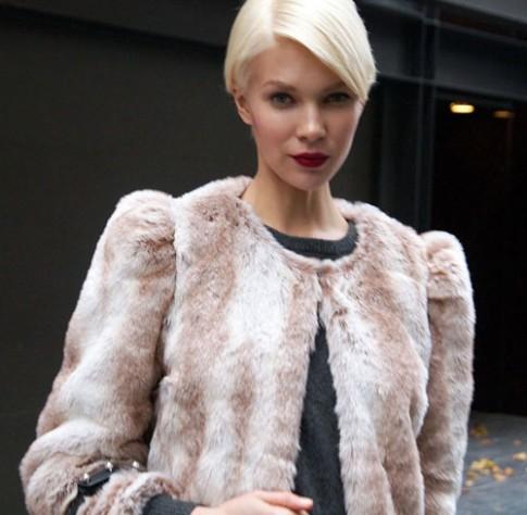 Bạn có dám thử sức với mái tóc bạch kim?