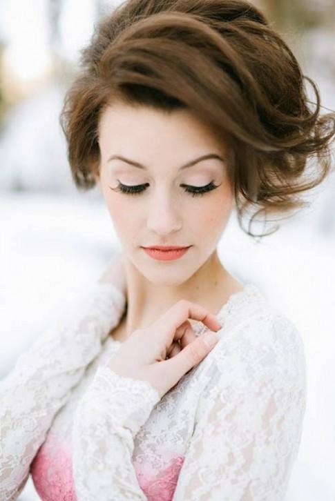 Bí quyết trang điểm ngày đông cho cô dâu