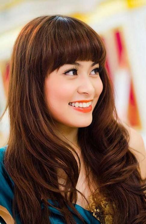 Học make-up sáng như Hoàng Thùy Linh