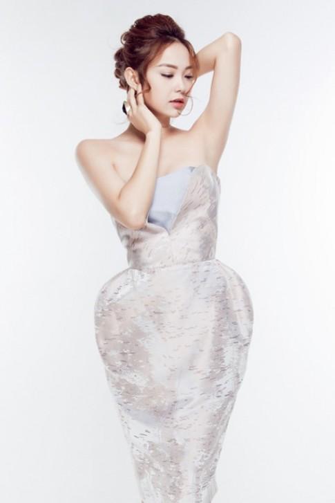 Muốn che giấu vòng 3 lép kẹp, hãy mau chọn kiểu váy này như sao Việt