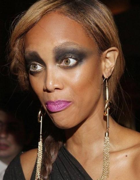 Muôn kiểu make-up dọa ma của sao