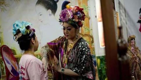 Người Thái Lan trả giá vì cuồng làm đẹp