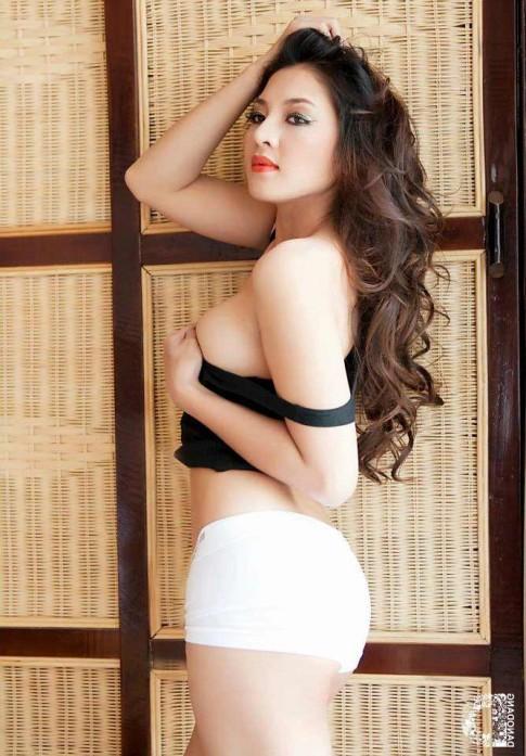 Tập luyện cho ngực đẹp như Thái Nhã Vân