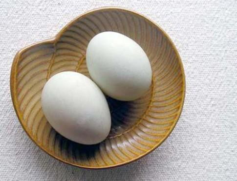 10 người thử thì 9 người diệt sạch mụn đầu đen với 1 quả trứng gà luộc