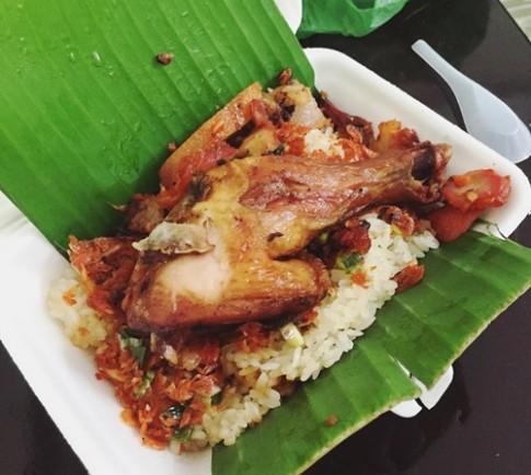 5 món ăn bán trên xe luôn đông khách ở Sài Gòn