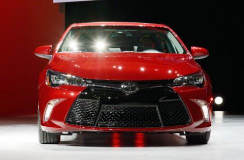 Ảnh chi tiết Toyota Camry 2015